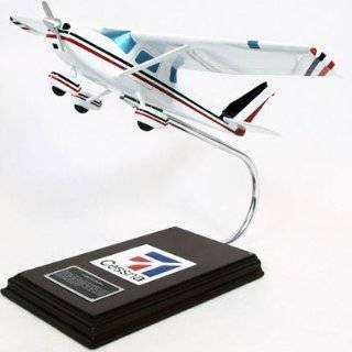 Minicraft Models Cessna 150 1/48 Scale: Toys & Games