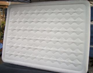 Queen Size Ozark Trail Raised Air Bed Mattress Instabed w Built in Air Pump