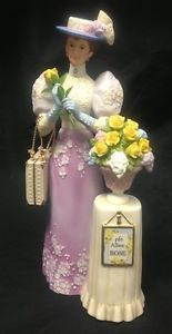 Avon Mrs Albee Presidents Award Beautiful Porcelain Lady Figurine 2001 Mint Con