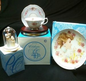 2007 Avon 40th Anniversary Mrs Albee Mini Figurine Tea Cup Saucer Plate