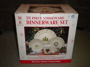 Merry Brite 16 Piece Stoneware Dinnerware Set New in Box Holiday Home Collection