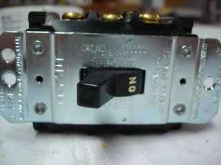 Bryant Electrical 1 Phase 3 Pole 30 Amp Toggle Motor Starter Switch 30003D