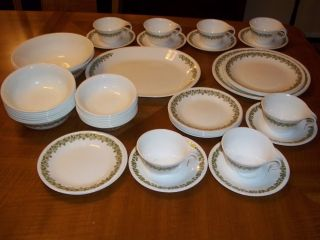 Corelle Dishes Crazy Daisy Dinnerware Set of 46 Pcs Spring Blossoms EXC Cond