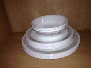Corelle by Corning Dinnerware Partial Set 18pc Set Nice Discontinue Daisys Desig