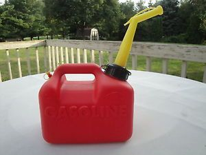 Vintage Chilton Model P10 1 Gal 6 oz Plastic Gas Can Fuel Container with Spout