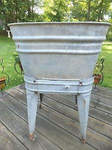 Vintage Galvanized Single Wash Tub on Stand w Wheels Great Garden or Other