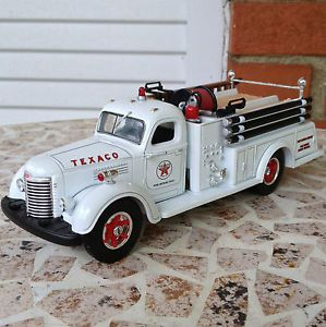 1949 International KB 8 Texaco Gas Fire Truck Pumper Port Arthur Refinery Texas