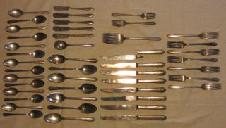 Mixed Lot Wm Rogers Son Wm Rogers 1847 Rogers Bros Other Silverware