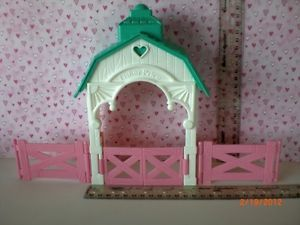 Fisher Price Loving Family Dollhouse Green Roof Stable with Fences Railings
