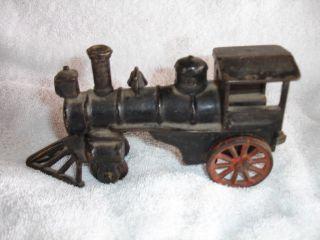 Antique Vintage Cast Iron Steam Locomotive Train Engine Pull Toy