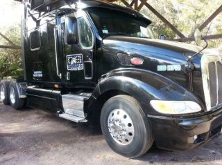 2007 Peterbilt 387 Conventional Semi Truck with 2007 Wabash 53' Reefer Trailer