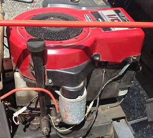 Used 12 5 Briggs Stratton Vertical Shaft Engine