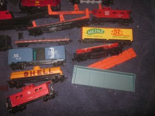 Lot of HO Scale Locomotives Freight Cars Hoppers Box Cars Rolling Stock Parts