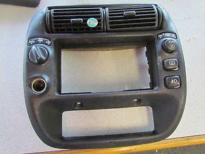 E5B1 97 98 99 00 01 Ford Ranger Explorer Dash Radio AC Cluster Bezel Trim