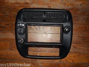95 04 Ford Explorer Ranger Dash Radio Trim Bezel 4x4 No Fog 98 96 00 Sport Trac
