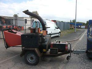 Bearcat 72928 9 inch Towable Wood Chipper Shredder Kubota Engine