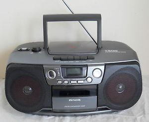 Aiwa CD Player Cassette Deck Digital Synthesized Tuner Boombox with T Bass