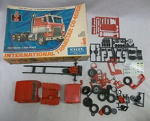Vintage Older Ertl International Transtar Truck Car Model Junkyard Parts Box