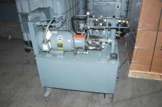 HSI Hydraulic Fluid Pump System 7 5 7 1 2 HP 60 Gallon 17 9 GPM 500 PSI