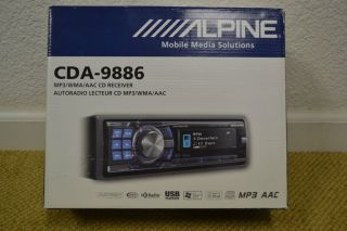 Alpine Car Stereo Receiver CD  in Dash Player