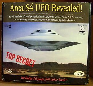 1996 Testors Area 51 UFO Flying Saucer Model Kit Complete Mint