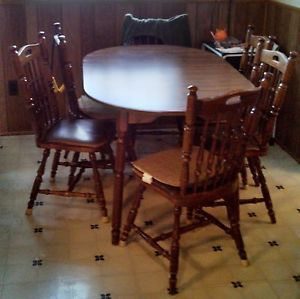 Walnut Oval Kitchen Table with Leaf and 6 Chairs