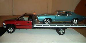 1 18 JRL Anson Custom Dodge RAM 3500 Dually Flatbed Rollback Tow Truck LED