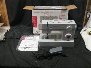 Singer 4423 Heavy Duty Model Sewing Machine 4423 White