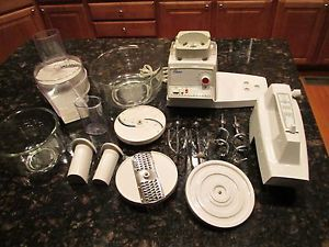 Oster Kitchen Center White 12 Speed Appliance Food Processor Mixer Glass Bowls