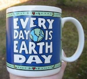Vintage Every Day Is Earth Day Environmental Holiday Gift Green Coffee Mug Cup