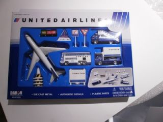 United Airlines Diecast Airport Play Set 13 PC