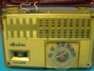 Vintage Mini Tube Battery Operated Radio Airline Model 84GCB 1062A Portable Gold