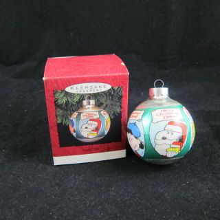 Peanuts Hallmark Ornament Ball Merry Christmas in 5 Languages 1993