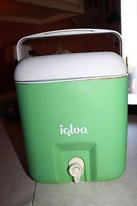 Vintage Igloo 1 Gallon Water Jug Cooler Green Cube Swimming Team Sports