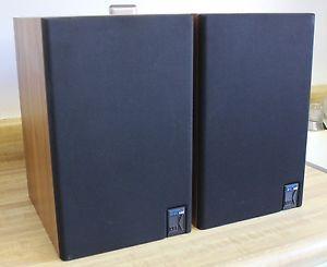 KEF Model 102 Reference Series Bookshelf Speakers w Kube Super Condition