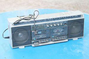 Vintage  Roebuck Model Radio SR 2100 Series Boombox