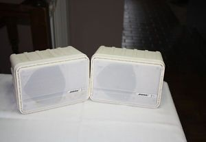 Pair of Bose Outdoor or Deck Environmental Speakers Model 151 White