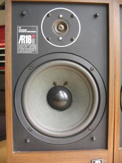 Nice Acoustic Research AR 18s Vintage Bookshelf Speakers Early 80s