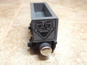 1992 Wooden Thomas Train Troublesome Truck Flat Magnets Staples EUC