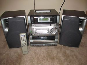 Aiwa Shelf Stereo System Boombox w CD Player Am FM Stereo Remote Aux