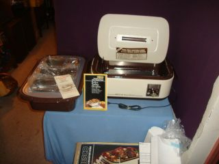 Opened Box Vintage Nesco White 18 Qt Roaster Oven 5 Piece Buffet Server Kit