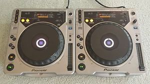 Pair of Pioneer CDJ 800 MK1 CD Turntables