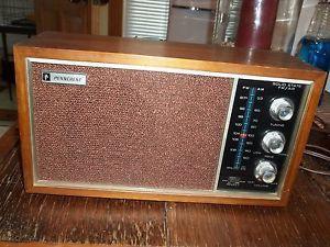 Vintage Penncrest Wood Box Solid State Am FM Table Radio Model 5353