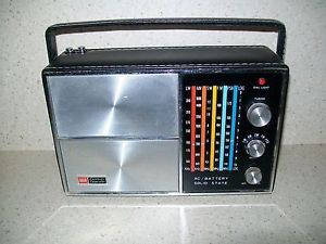 Vintage Ross Electronics Multi Band Solid State Portable Radio for Parts Repair