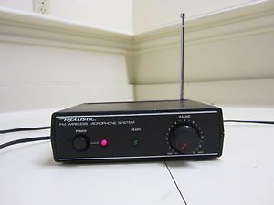 Realistic 32 1221A FM Wireless Microphone System