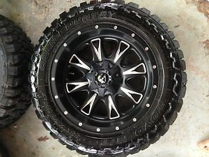 """20 """" Fuel Throttle Rims D513 with 33 x 12 50 R20 Toyo Open Country Mud Tires"""