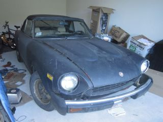 Fiat 124 Spider 1982 Parts Car Missing Windshield Frame Some Other Parts