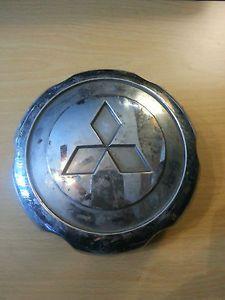 "Mitsubishi Montero Factory Wheel Center Cap Used 5 25"" Dia MB816581"