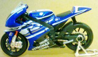 1 18 Jorge Lorenzo 1 Moto GP 2011 Yamaha YZR M1 Diecast Model Motorcycle