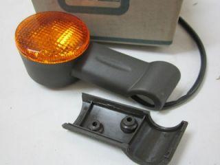 New Genuine Vintage Vespa Piaggio Bravo Ciao SI Turn Signal Blinker 267637